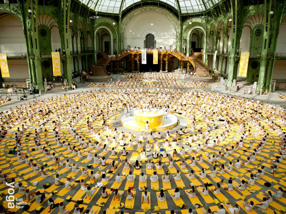 Lole white tour grand palais yoga