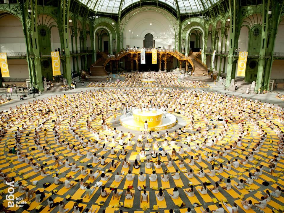 Lole white tour grand palais yoga